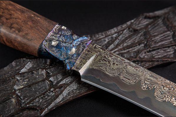 Авторский нож Барс <span>(трехслойный ламинат, мозаичный больстер, стабилизированная карельская береза, резная рукоять, инкрустация, подставка)</span>