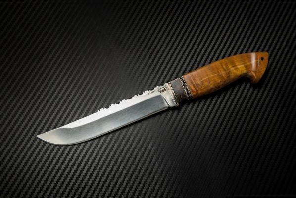 Нож Таежный ( порошковая сталь elmax,стабилизированная карельская береза,вставка-кариан, резной обух)