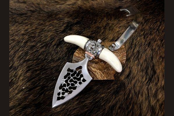 Авторский тычковый нож Push dagger (клинок выполнен из кованной стали х12мф, лосиный рог, ручная резьба по металлу)