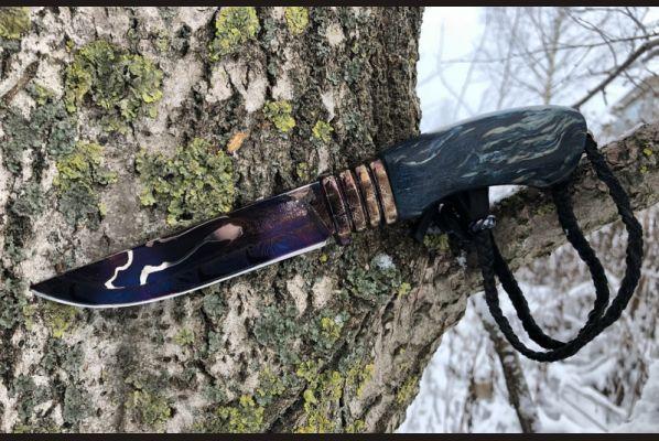 Авторский нож Ладья (клинок трехслойный ламинат, больстер мозаичный дамаск, стабилизированная карельская береза, кожаный темляк, резная рукоять)
