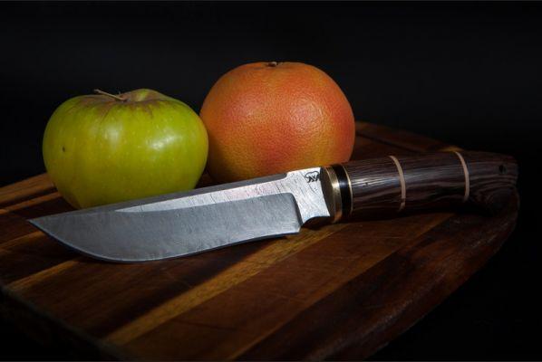 Нож Походный (дамаск, венге, вставка береста)