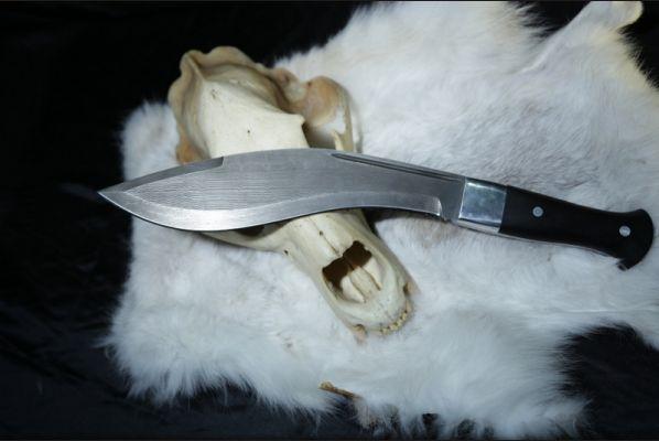 Нож Кукри (дамасская сталь более 1000 слоёв,рукоять-черный граб, цельнометаллическая)