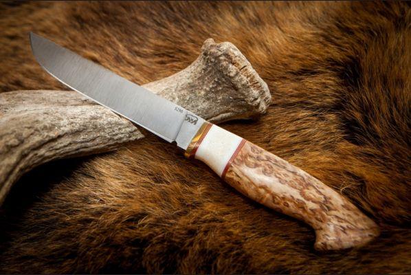 Нож Анчар <span>(кованная порошковая сталь s290, стабилизированная карельская береза, вставка клык моржа )</span>