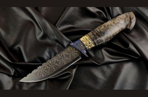Авторский нож Русский <span>(мозаичный дамаск, мозаичный больстер, вставки латунь, стабилизированная карельская береза, резная рукоять)</span>