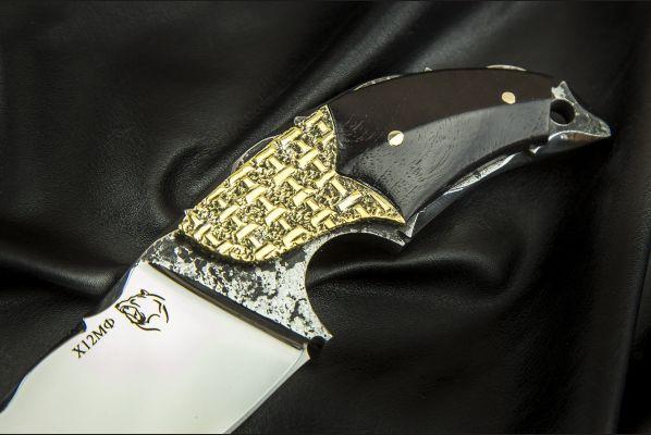 Нож Альхон <span>(х12мф, черный граб, больстер медь, резной клинок)</span>